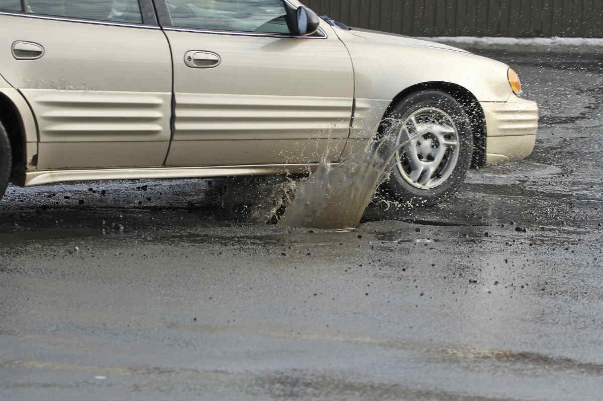 pothole car accident chicago