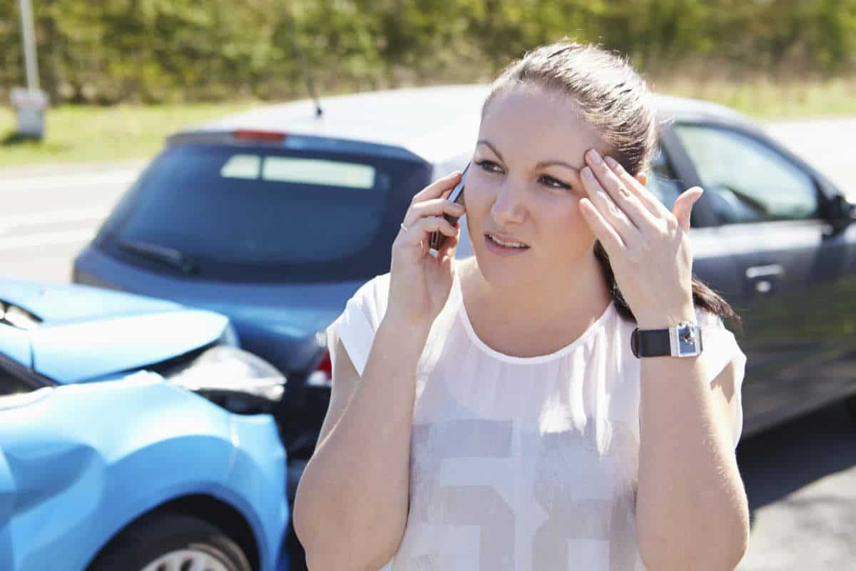 Chicago woman on the phone after car wreck