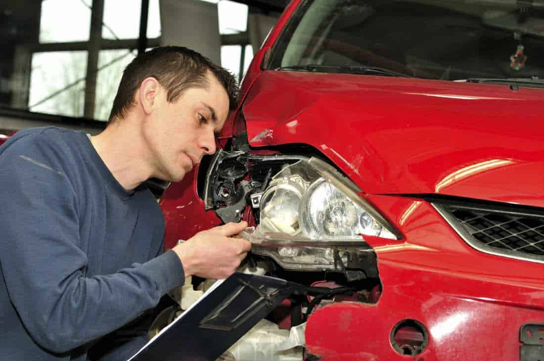 Lawyer Explains Property Damage from a Car Accident 1