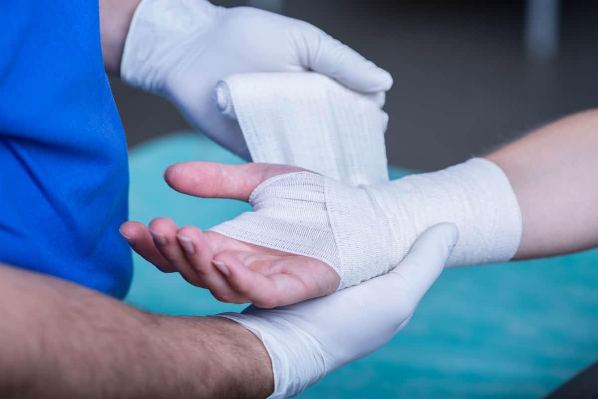 chicago car crash injury broken hand