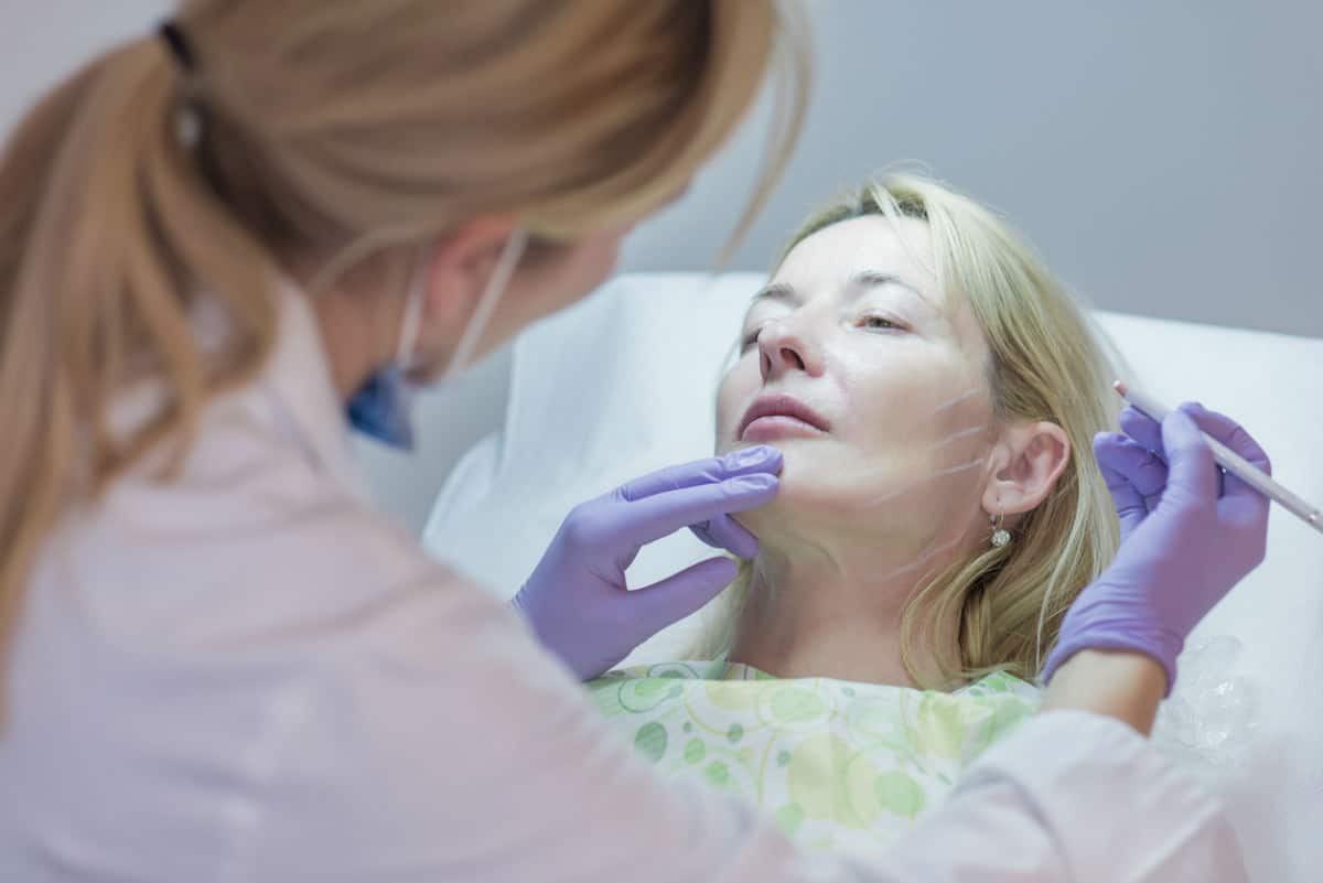chicago woman being prepared for botox