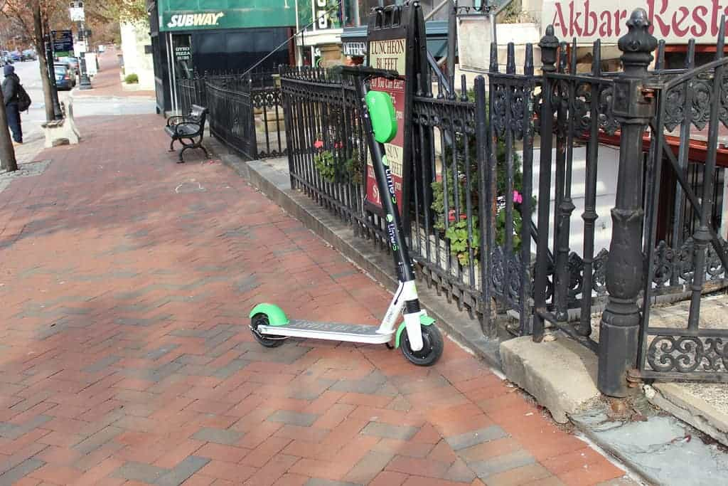What You Need to Know about Chicago's Summer Dockless E-Scooter Program 1